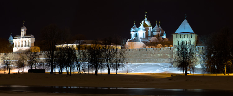 View of the St. Sophia and Kremlin at night