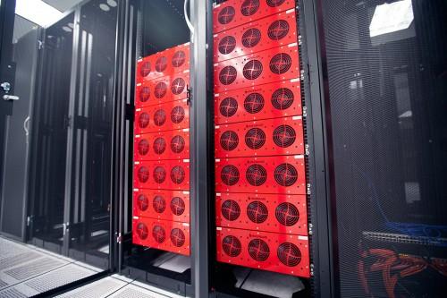 photo-backblaze-servers-datacenter-cabinets